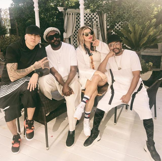 画像1: FergieさんはInstagramを利用しています:「fourth w the fam @bep」 www.instagram.com