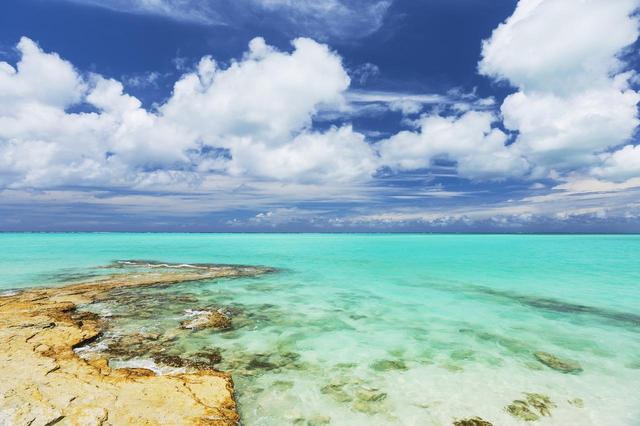画像: 「カリブ海のモルディブ」と呼ばれる美しい海が圧巻のリゾート地。米人気旅行雑誌コンデナスト・トラベラーが選ぶ「世界で最も美しいビーチ20選」にもランクインしている注目スポット。