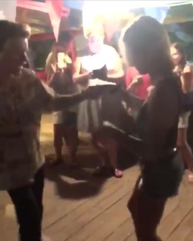 """画像1: Justin Bieber Updates on Instagram: """"July 6: video of Justin and Hailey in the Bahamas yesterday. [#justinbieber #haileybaldwin]"""" www.instagram.com"""