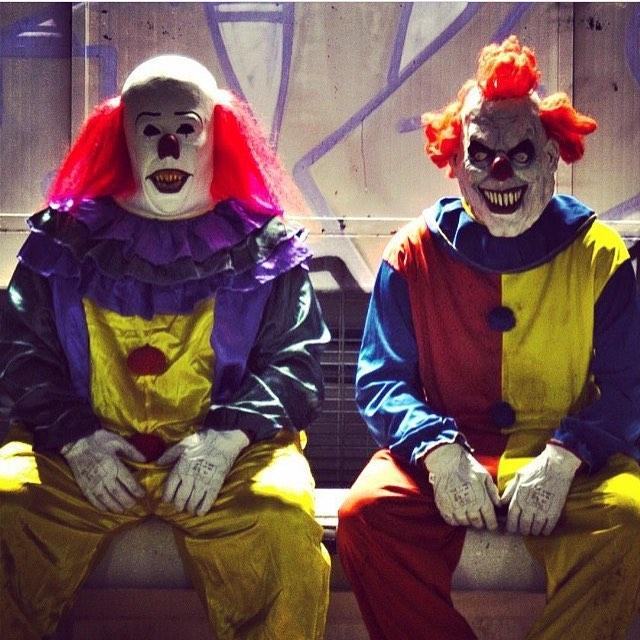 画像1: DM Pranks ProductionsさんはInstagramを利用しています:「#killerclowns #halloween #scary」 www.instagram.com