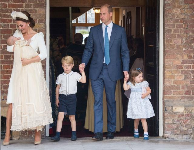 画像: ルイ王子の洗礼式にて。