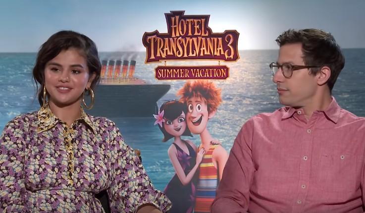 画像: セレーナと共演者のアンディ・サムバーグ。