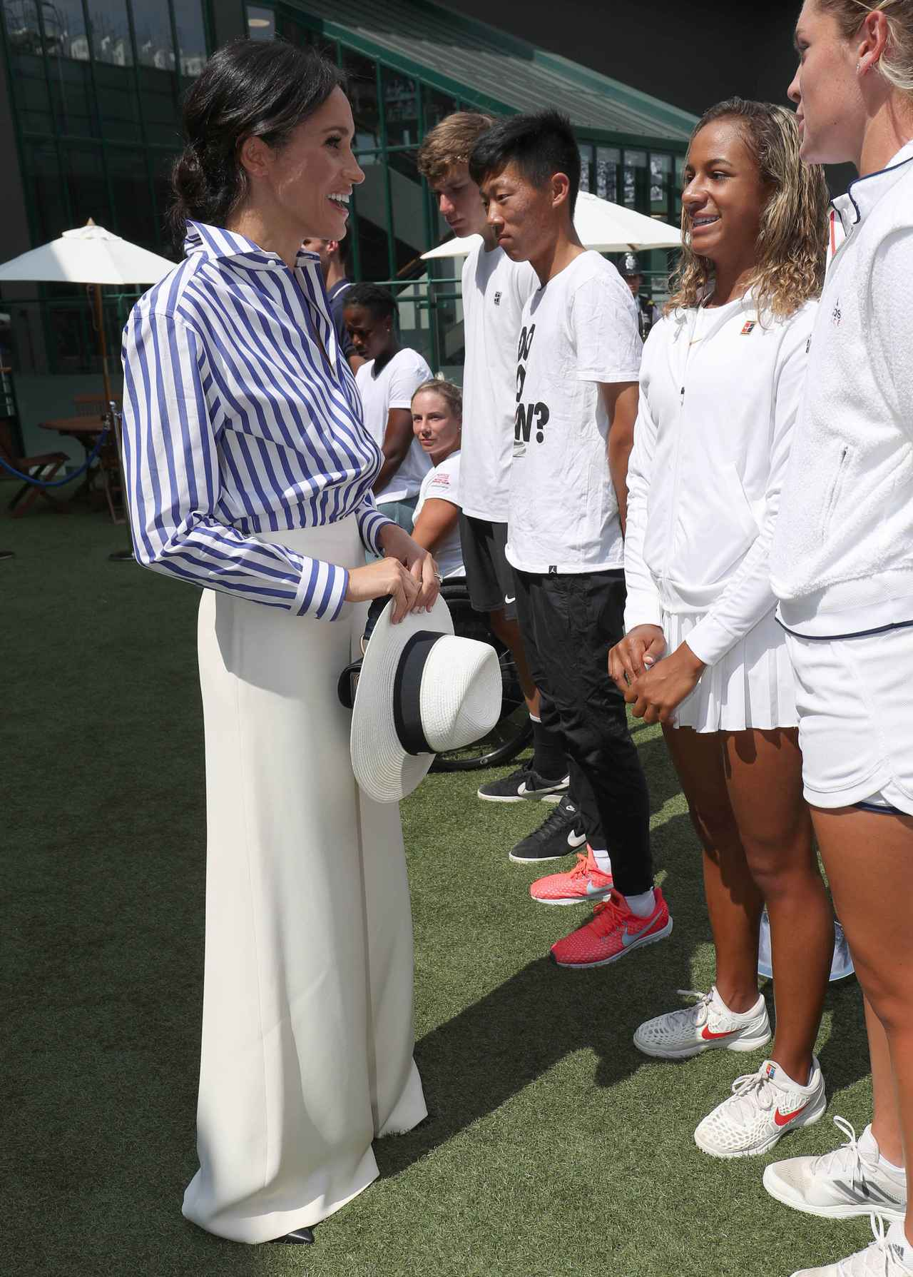 画像2: キャサリン妃&メーガン妃、テニス観戦の爽やかコーデがオシャレ