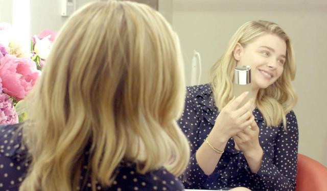 """画像4: 「素肌でいることはシンプルで美しい」 クロエが語る""""すっぴん素肌"""""""