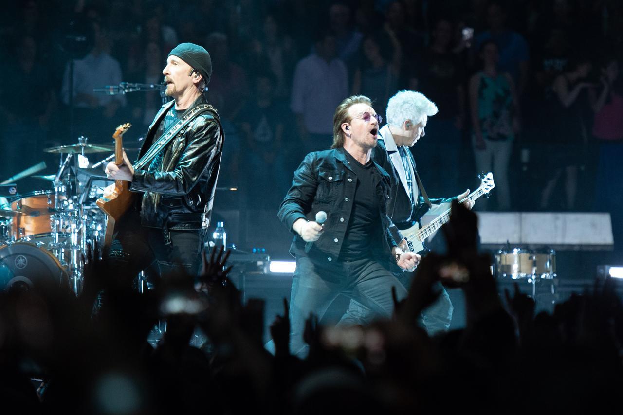 画像: 6位 U2 約130億円(1億1,800万ドル)