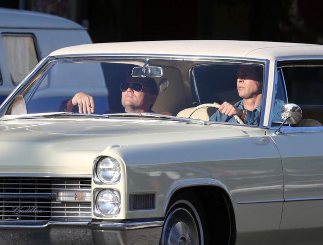画像2: ブラピ&ディカプリオ、撮影風景がイケおじ達のドライブすぎてやばい