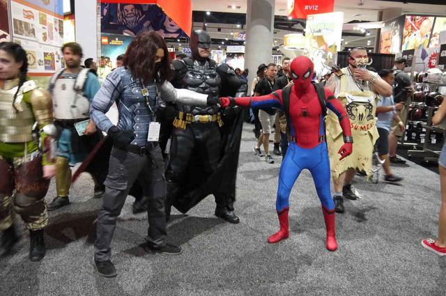 画像: (左から)『アベンジャーズ』シリーズに出てくるバッキー、DCコミックスのバットマン、スパイダーマン。