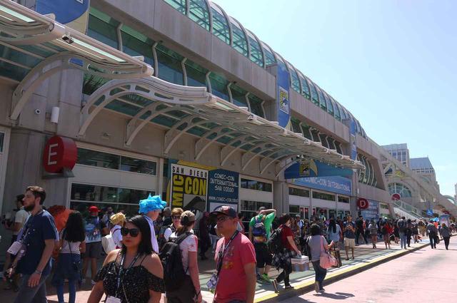 画像: 4日間開催されるサンディエゴのコミコンには、毎年何十万人ものファンが来場する。