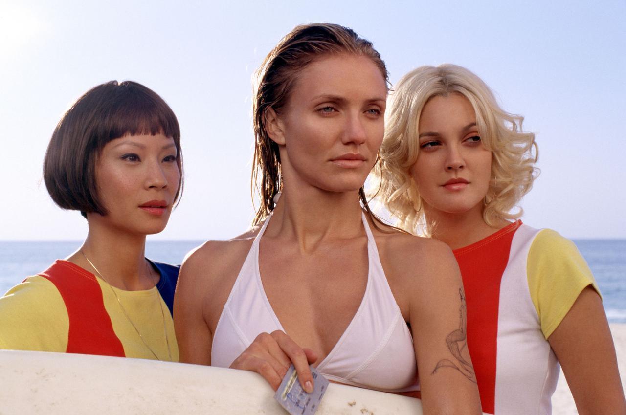 画像: 映画版でエンジェルを演じた(左から)ルーシー・リュー、キャメロン・ディアス、ドリュー・バリモア。