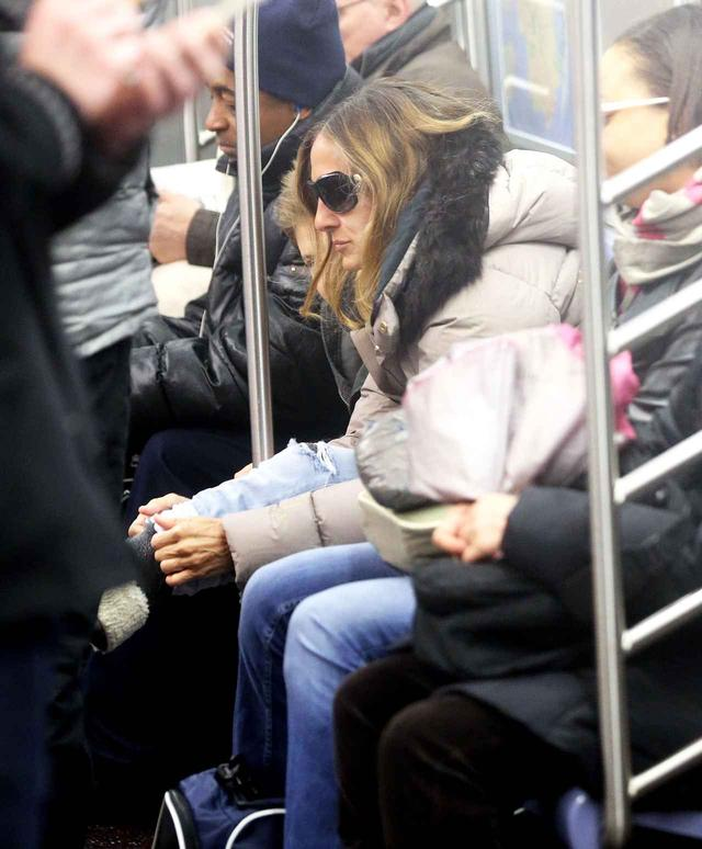 画像: 『セックス・アンド・ザ・シティ』のサラ・ジェシカ・パーカーも地下鉄を利用。