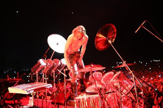 画像3: スクリレックスのフジロックのステージにYOSHIKIサプライズ登場!写真アリ