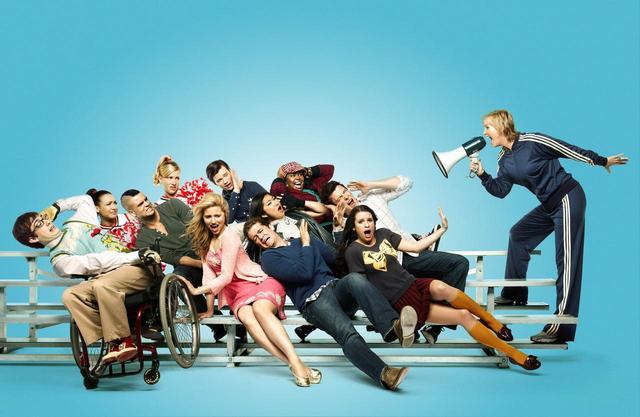 画像: 車いすのアーティや同性愛者のカートなど、『glee/グリー』には多様なキャラが登場した。©20TH CENTURY FOX TV / Album/ニュースコム