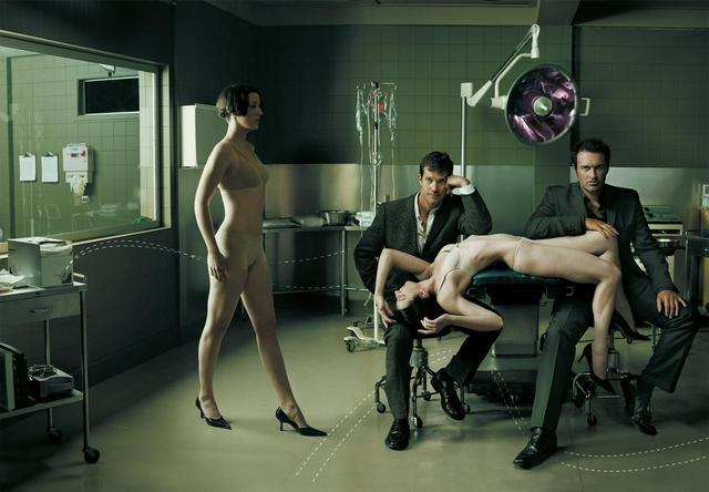 画像: 『NIP/TUCKマイアミ整形外科医』のショーンとクリスチャンは正反対の性格を越えた結束を見せた。©WARNER BROS TV / Album/ニュースコム