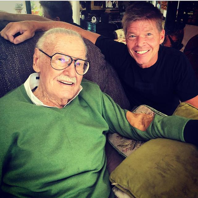 "画像1: RobertLiefeld on Instagram: ""SUNDAY WITH STAN! Well, my Saturday, but your Sunday. Let's get right to it, how great does @therealstanlee look in this photo?? He's doing…"" www.instagram.com"
