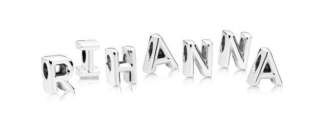 画像3: 世界的シンガーのリアーナは PANDORAの代表作チャームブレスレットを愛用