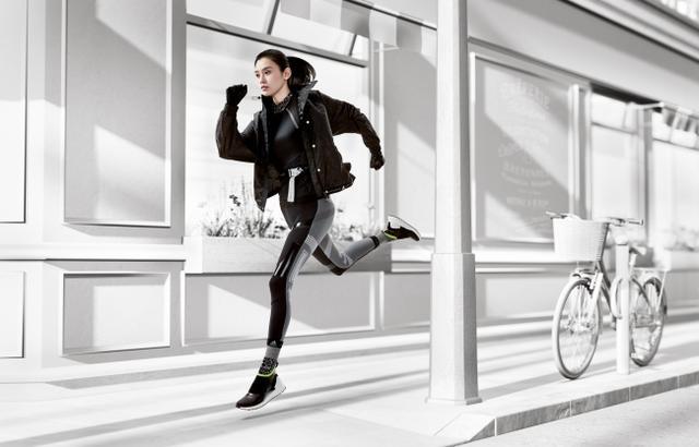 画像: 今シーズンから、adidas by Stella McCartneyの新たな顔として、世界的スーパーモデルのミン・シーが就任し、更にフィットネスコレクションを盛り上げる。