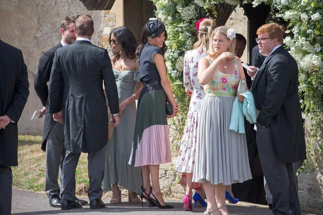 画像2: メーガン妃の不本意な「ブラチラ」が物議、女性たちの反応は?