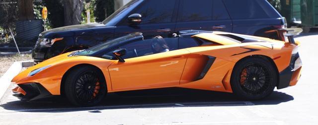 画像5: セレブの愛車:カイリー・ジェンナーの約5,200万円のランボルギーニ!