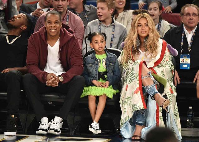 画像: ビヨンセ&ジェイ・Z夫妻にはサー君のほかに長女のブルー・アイヴィーちゃんと、双子のもう片割れであるルミちゃんがいる。