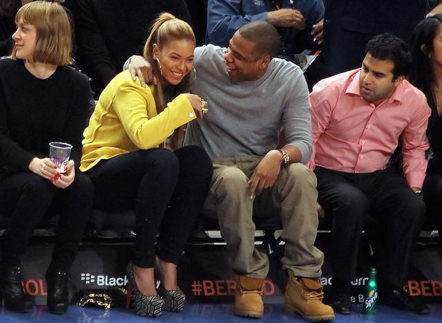 画像: バスケットボールの試合観戦はビヨンセとジェイの定番デート。この日はニューヨーク・ニックス戦を観戦。