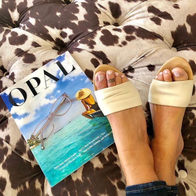 """画像1: Gina Terilla Stankard on Instagram: """"Dear Instagram...please STOP influencing me with shoes from startups! """" www.instagram.com"""