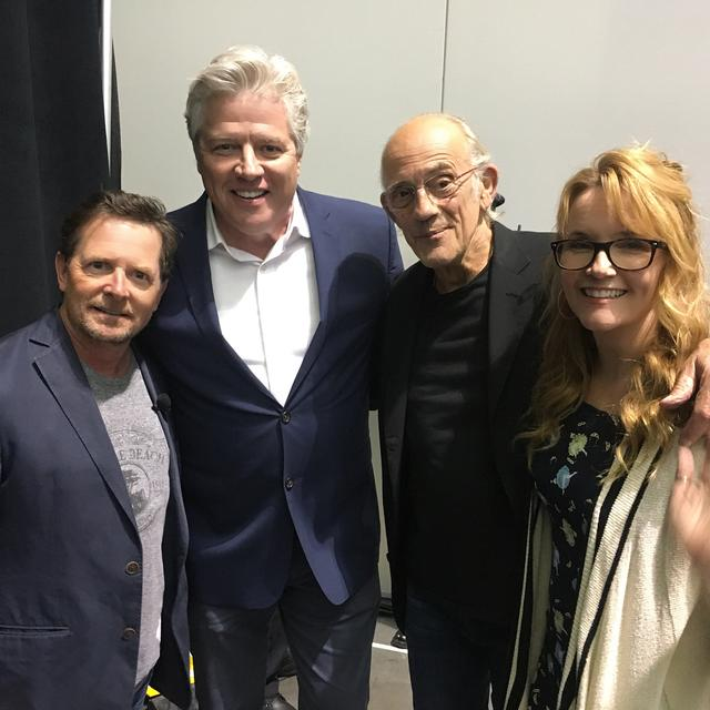 "画像1: Lea Thompson on Instagram: ""Four old friends get back from the future. @fanexpoboston #bttf @realmikejfox #chrislloyd @tomwilsonusa #howardtheduck #xanderiseverywhere…"" www.instagram.com"