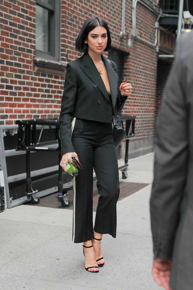 画像4: 注目シンガーのデュア・リパのファッション偏差値が急上昇中!オシャレコーデを拝見