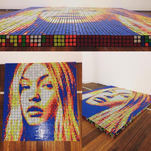 """画像1: Giovanni Contardi on Instagram: """"@gigihadid ~ 729 Rubik's cubes. Wish I didn't had to destroy this one..But let's move on to the next one, who would you like to see next?!…"""" www.instagram.com"""