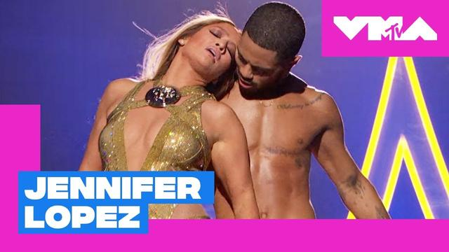 画像: Jennifer Lopez Performs 'Get On The Floor', 'Love Don't Cost A Thing' & More | 2018 VMAs www.youtube.com
