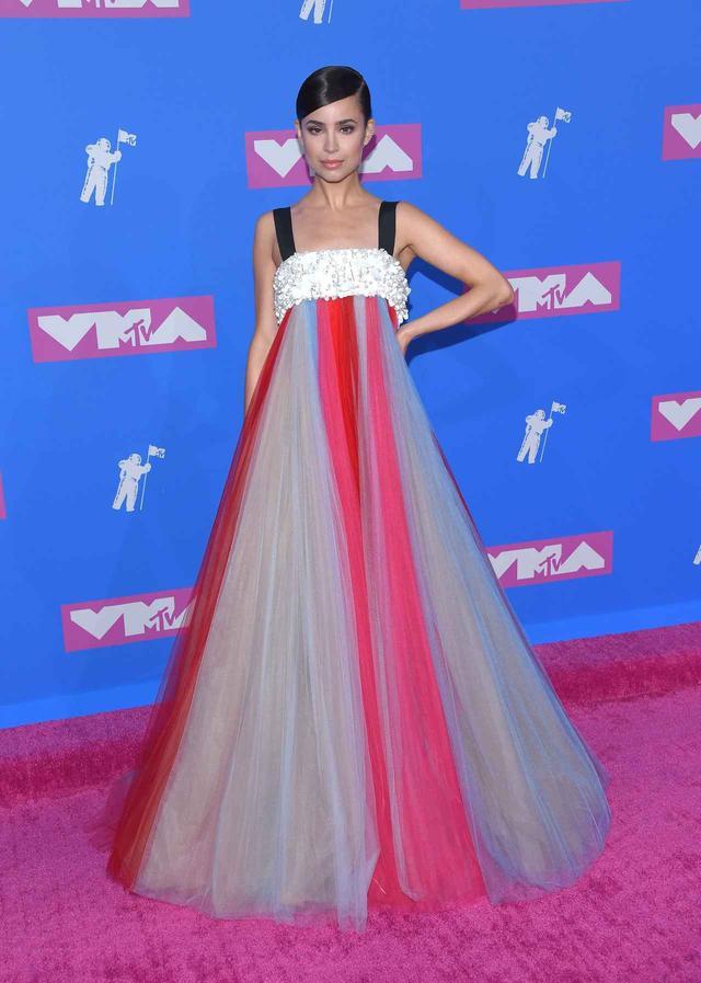 画像5: MTV VMAの華やかなレッドカーペット・ファッションをレポート【VMA2018】
