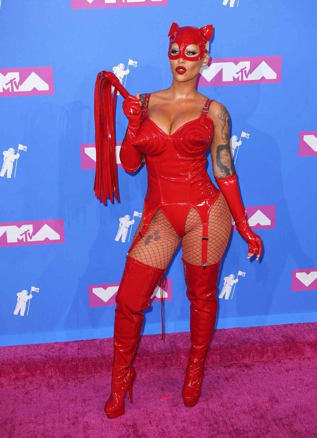 画像3: アンバー・ローズ、MTV VMAに登場したときの姿が強烈