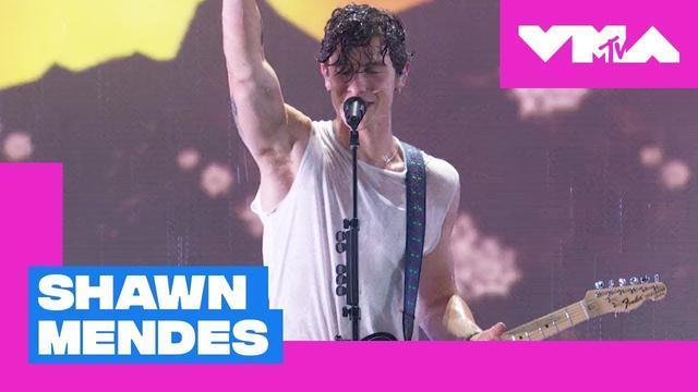 画像: Shawn Mendes Performs 'In My Blood' (Live Performance) | 2018 Video Music Awards www.youtube.com