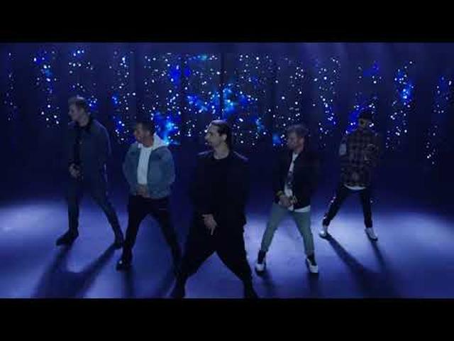 画像: Backstreet Boys - Don't Go Breaking My Heart (Official Video) www.youtube.com