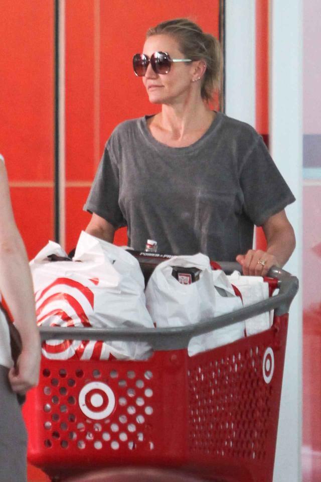 画像3: キャメロン・ディアス、大型スーパーでカートいっぱいになるまで爆買い
