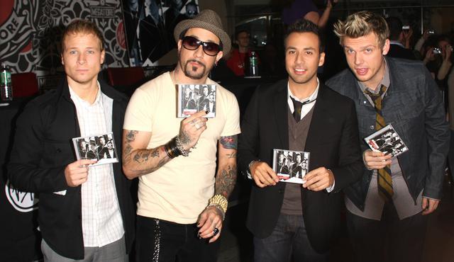 画像: 4人組初のアルバム『アンブレイカブル』をPRするバックストリート・ボーイズ。