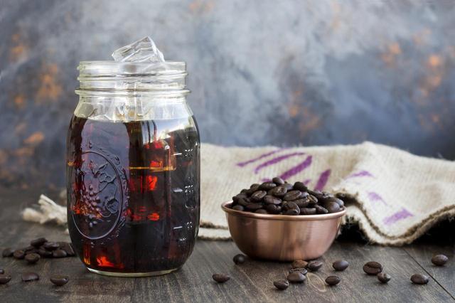 画像: 秋にぴったりのコーヒー色
