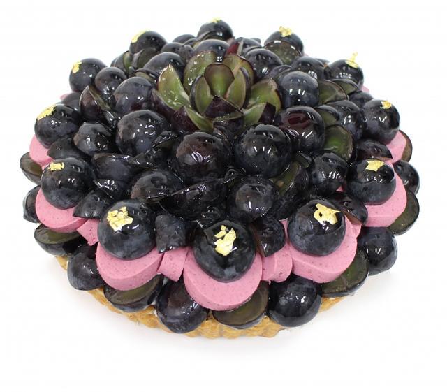 画像: 長野県産ぶどう「ナガノパープル」とカシスムースのケーキ