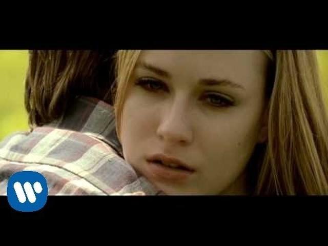 画像: Green Day - Wake Me Up When September Ends [Official Music Video] www.youtube.com