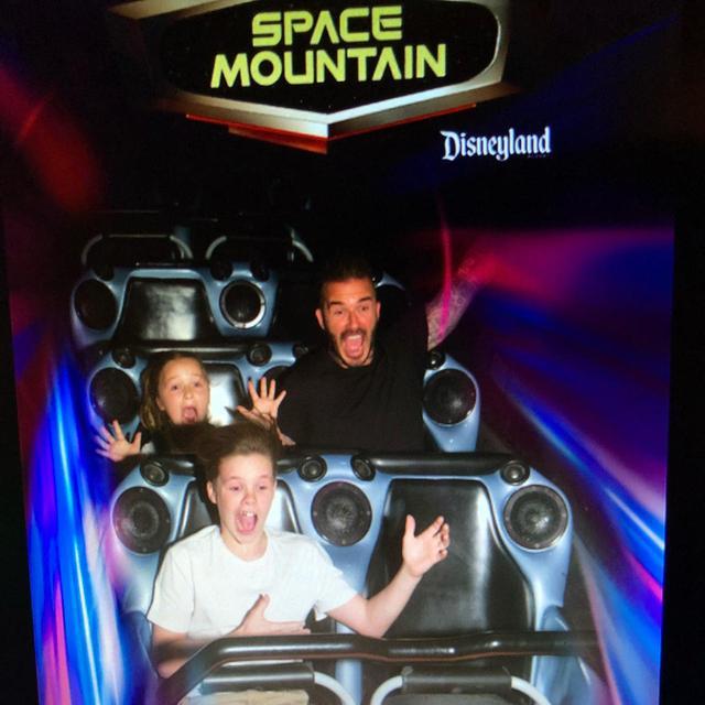 画像5: ディズニーランドなどの絶叫マシーンに乗るとセレブはどうなる?写真を一挙公開