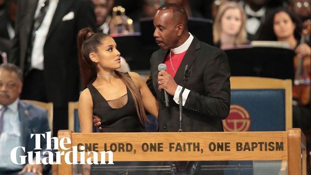 画像: Aretha Franklin funeral bishop apologises to Ariana Grande www.youtube.com
