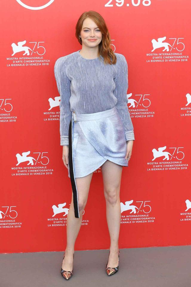 画像3: エマ・ストーン、ベネチア映画祭での最新ファッションがオシャレ!