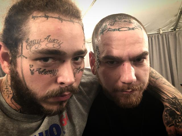 "画像1: Kyle HedigerさんはInstagramを利用しています:「Matching ""77"" tattoos with my brother @postmalone . Love you . Tattoo done by the homie @jonboytattoo」 www.instagram.com"