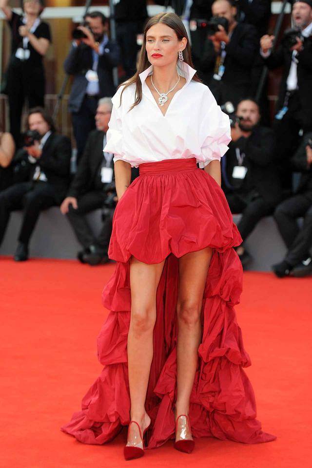 画像4: ベネチア映画祭2018、華やかなレッドカーペットファッション【PART2】