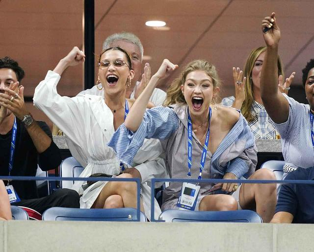 画像1: ジョー&ケヴィン・ジョナス、全米オープンでカメラに抜かれると…