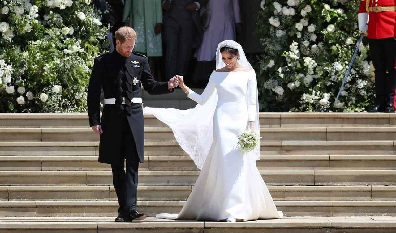 画像: メーガン妃のウェディングドレスよりも影響力のある「あのセレブ」のドレスって?