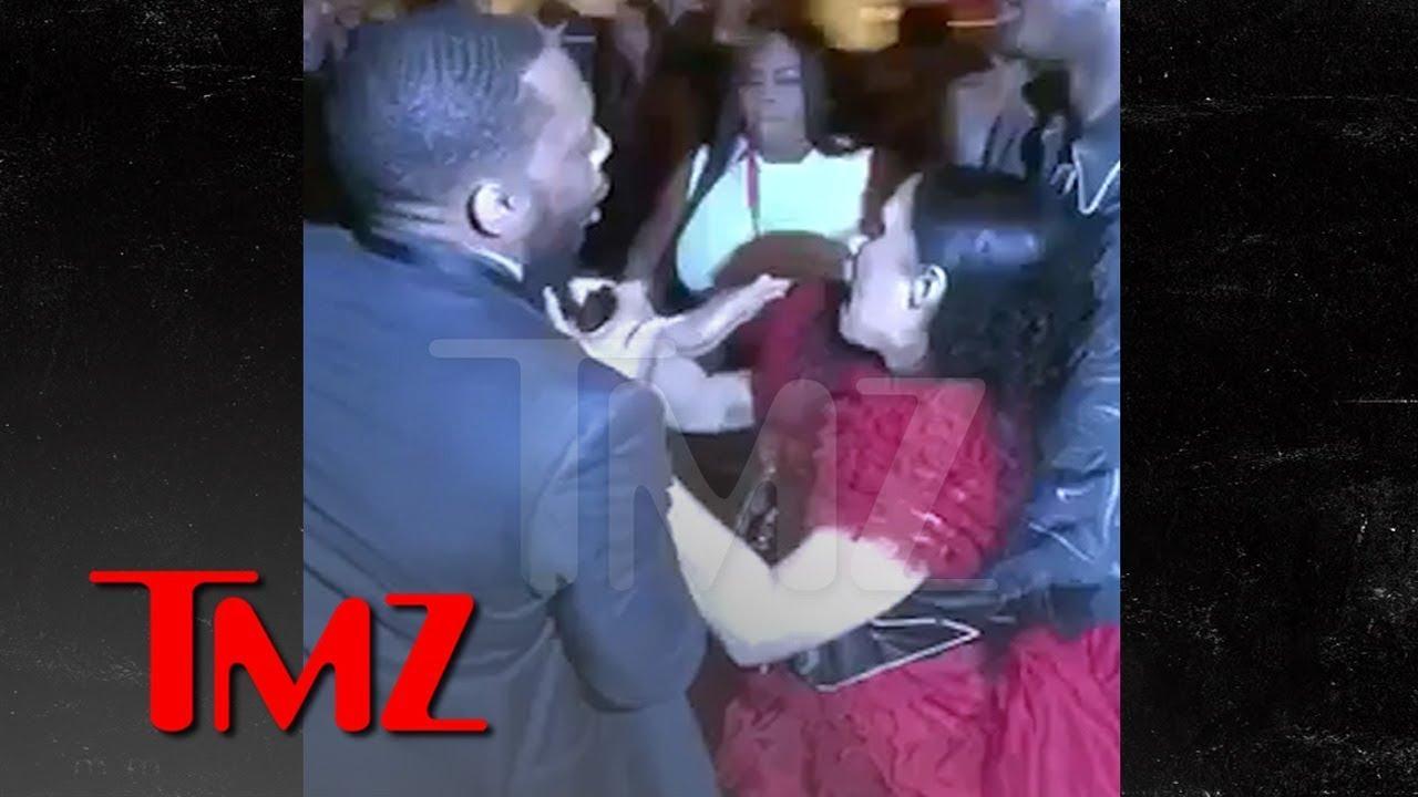 画像: Cardi B Gets Lump on Head, Attacks Nicki Minaj, Throws Shoe, 'Calls Her P***y   TMZ www.youtube.com