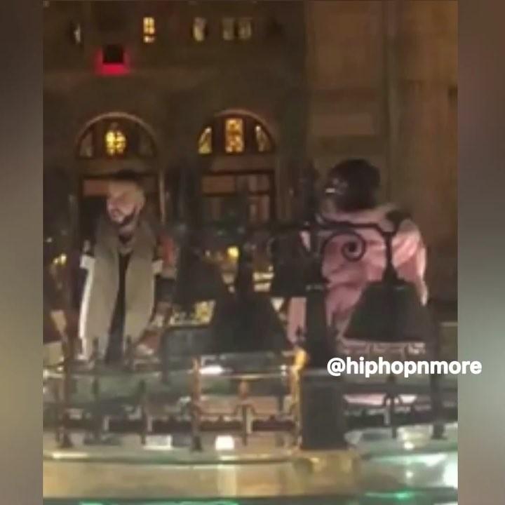 """画像1: HipHop-N-More on Instagram: """"""""I told her don't wear no 350s around me"""" - #Drake  full story in bio link."""" www.instagram.com"""