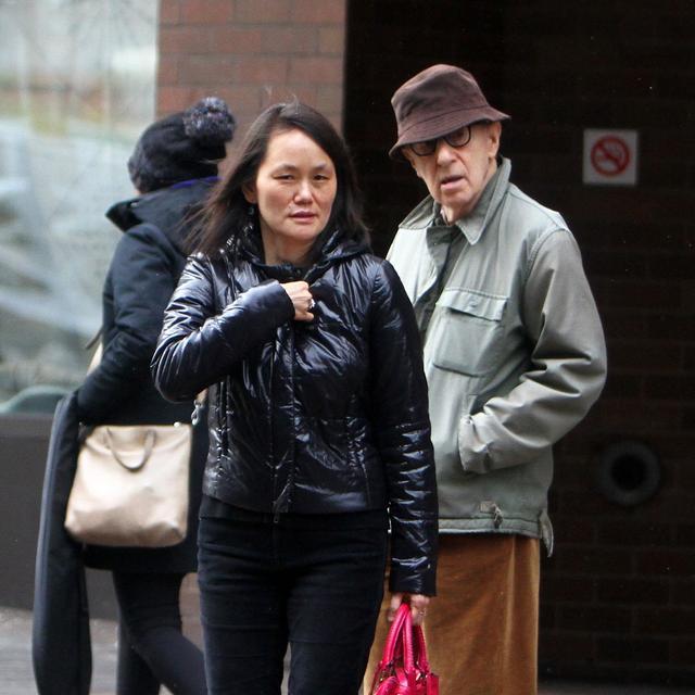 画像: 2018年1月、ディランの再告発後の渦中に撮影されたウディとスン・イーの姿。
