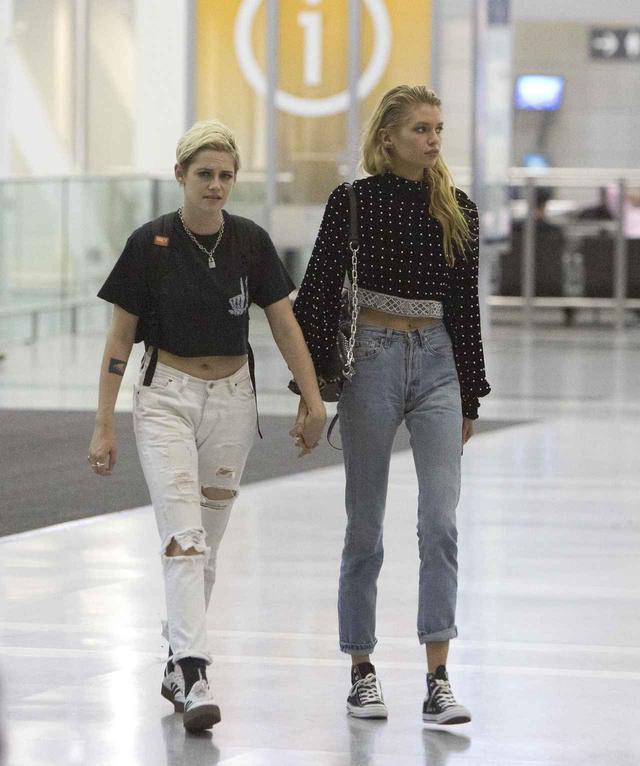 画像2: クリステン・スチュワート&ステラ・マックスウェル、空港でのレア写真をゲット