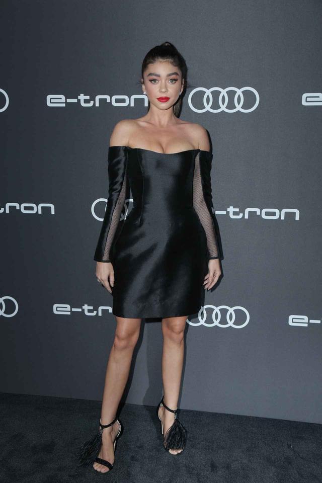 画像1: サラ・ハイランド、完璧なドレス姿の裏で行われた数々の「偽装」を明かす